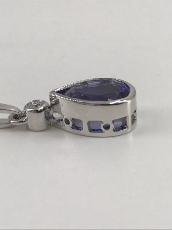 Pendentif or gris Tanzanite et diamant.